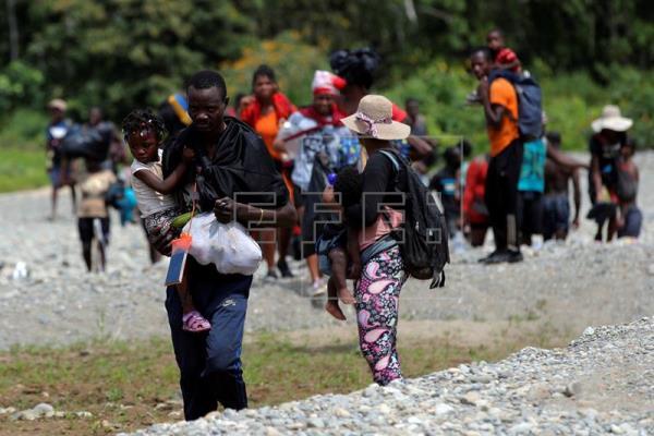 """""""Vamos a caminar hasta donde nos permita el Señor"""": guatemalteca se alista para nueva caravana migrante que saldrá de Tapachula"""