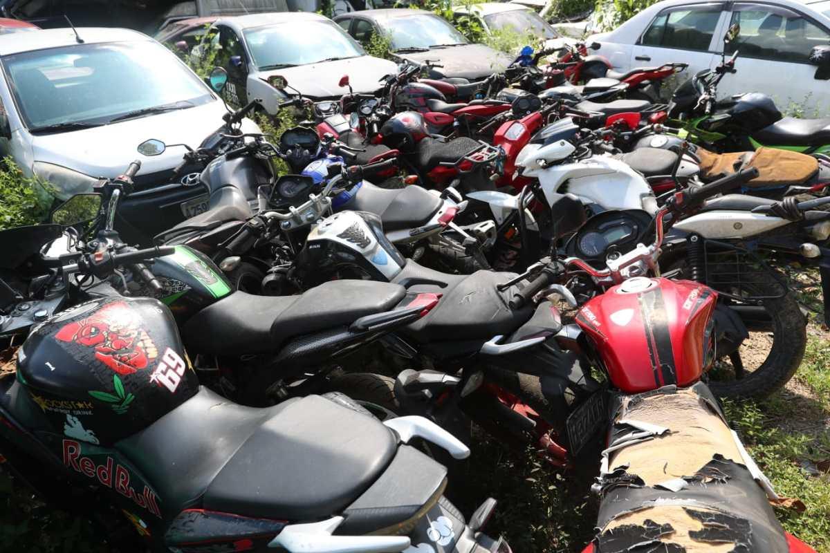 Más de un millón de motocicletas consignadas se acumulan en los predios de la PNC