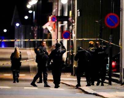 Las revelaciones que dieron a conocer en Noruega sobre al hombre que atacó con arco y lo que hizo con sus víctimas posteriormente