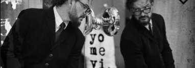 """""""Yo me vi"""" es el primer sencillo del álbum """"Negro"""" de Ricardo Arjona, lanzado el 8 de octubre de 2021. (Foto Prensa Libre: Ricardo Arjona)"""